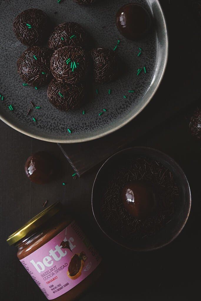 HAZELNUT AND CHOCOLATE CREAM BRIGADEIRO