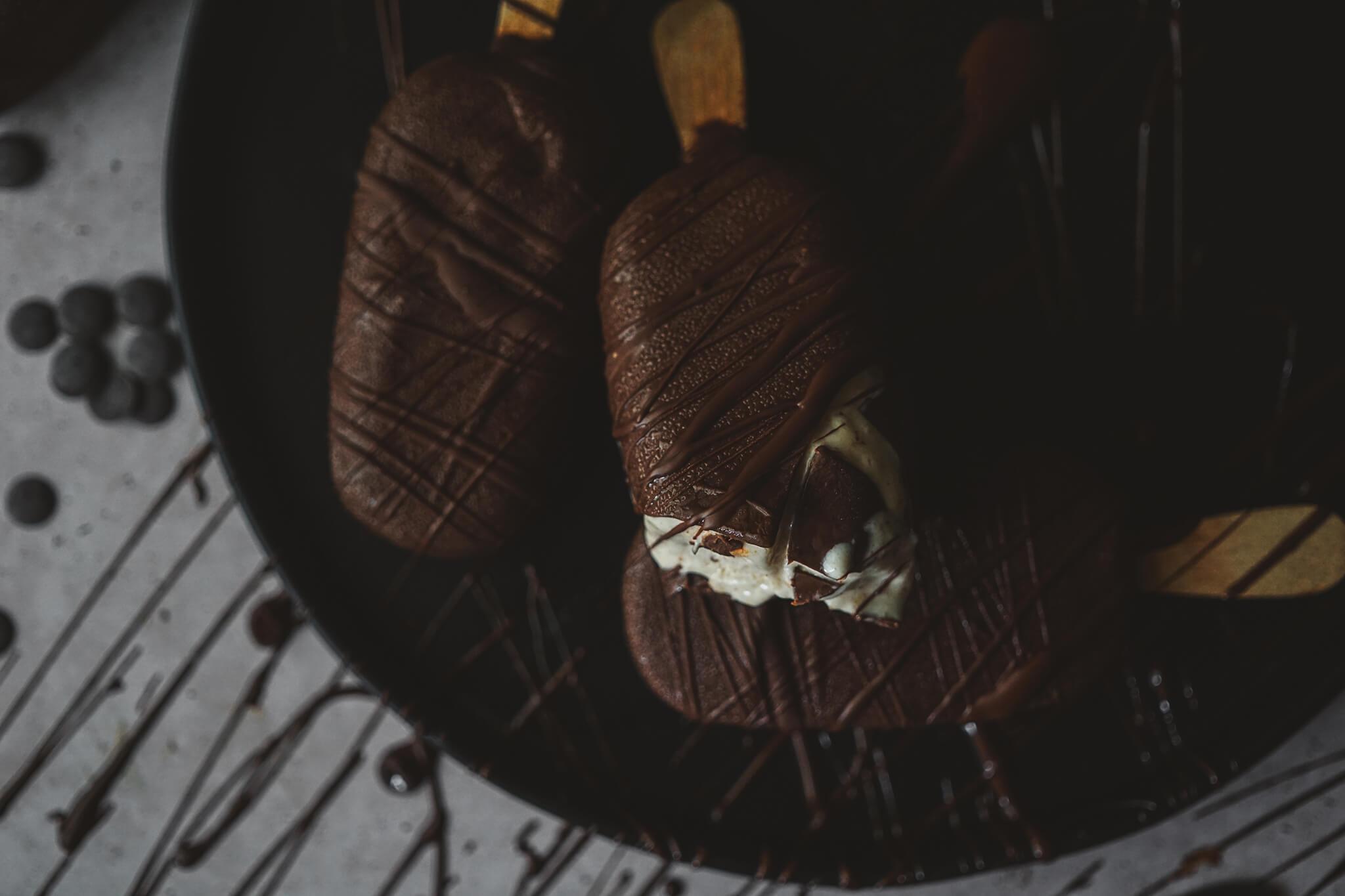 DARK CHOCOLATE AND BANANA MAGNUM